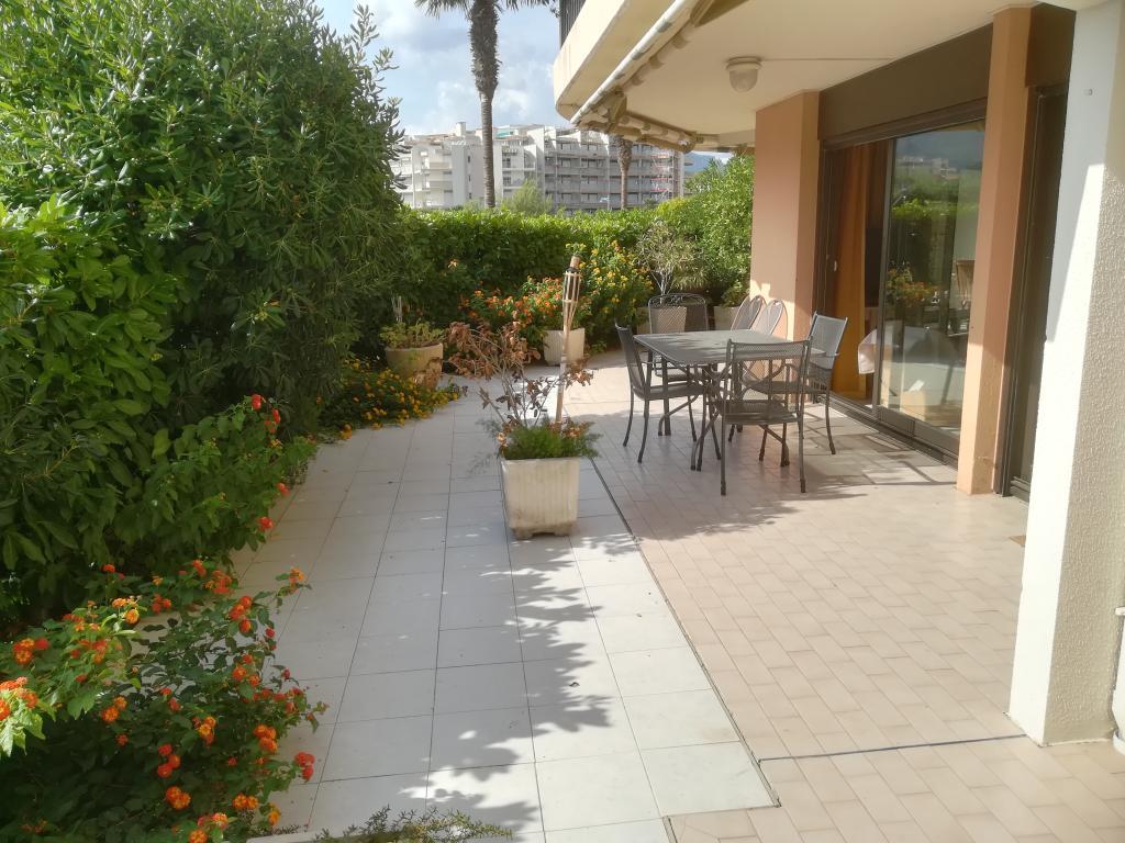 De particulier à particulier, appartement à Mandelieu-la-Napoule, 80m²