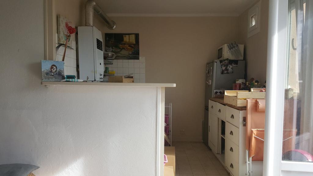 De particulier à particulier, appartement, de 53m² à Vénéjan