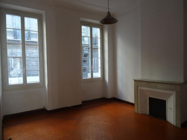 Location appartement T3 Marseille 01 - Photo 1