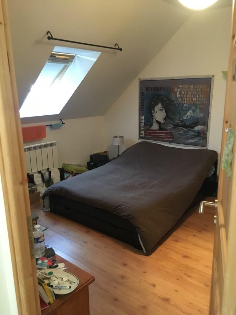 chambre s en colocation sur courdimanche 410. Black Bedroom Furniture Sets. Home Design Ideas